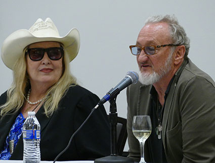 Ronee Blakley and Robert Englund